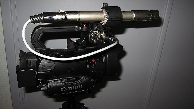 Canon XA20 (2).jpg