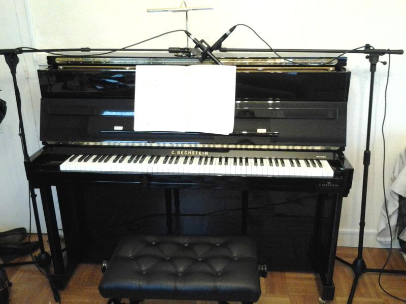 quel micro pour capturer le son d 39 un piano droit forum microphone audiofanzine. Black Bedroom Furniture Sets. Home Design Ideas
