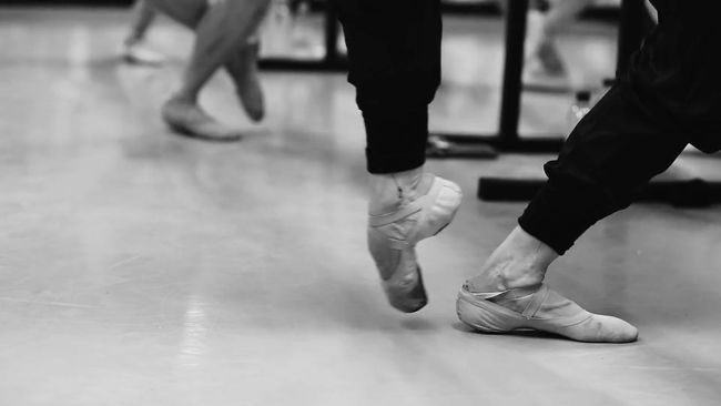 Raymond CHAI - Classical Ballet Teacher.mp4_snapshot_00.32_[2018.01.13_15.23.03].jpg