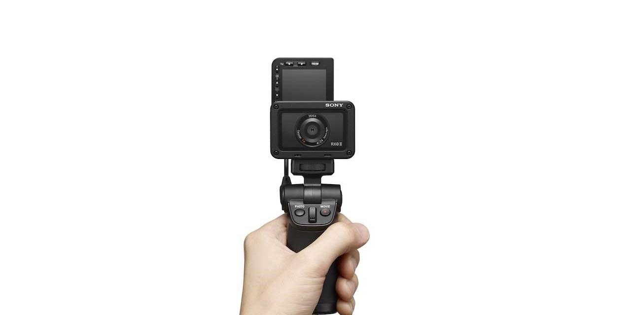 Sony-RX0-II-avec-poignee.jpg