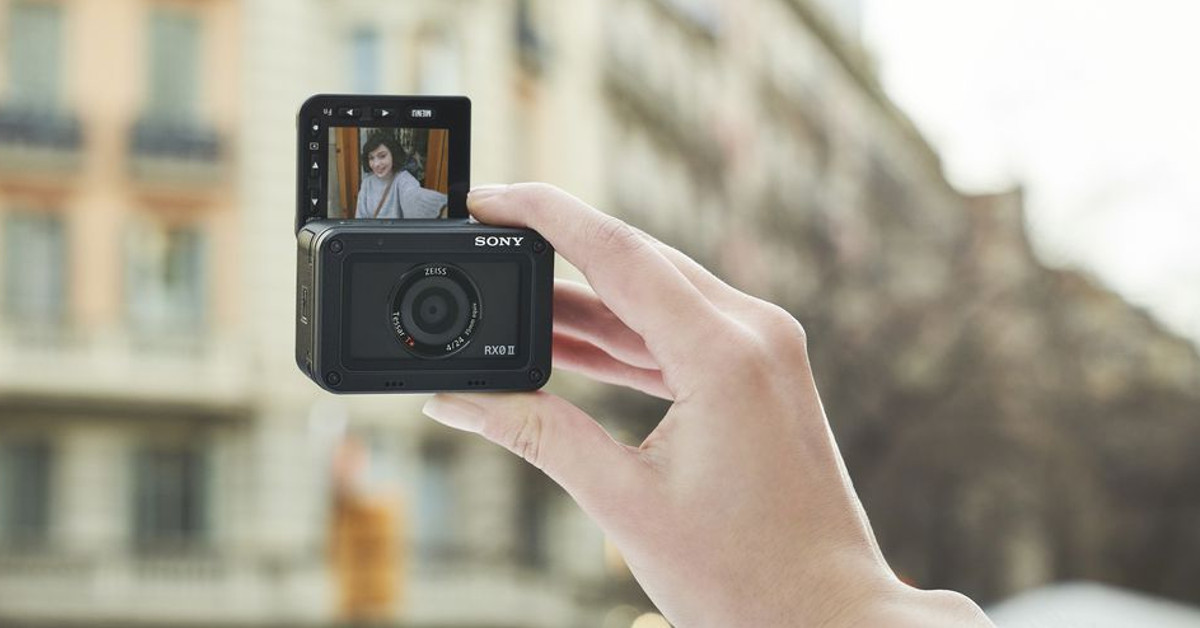 Sony-RX0-II-vignette-FB.jpg