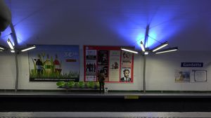 AX100-metro-affiches00008911-08-07 300