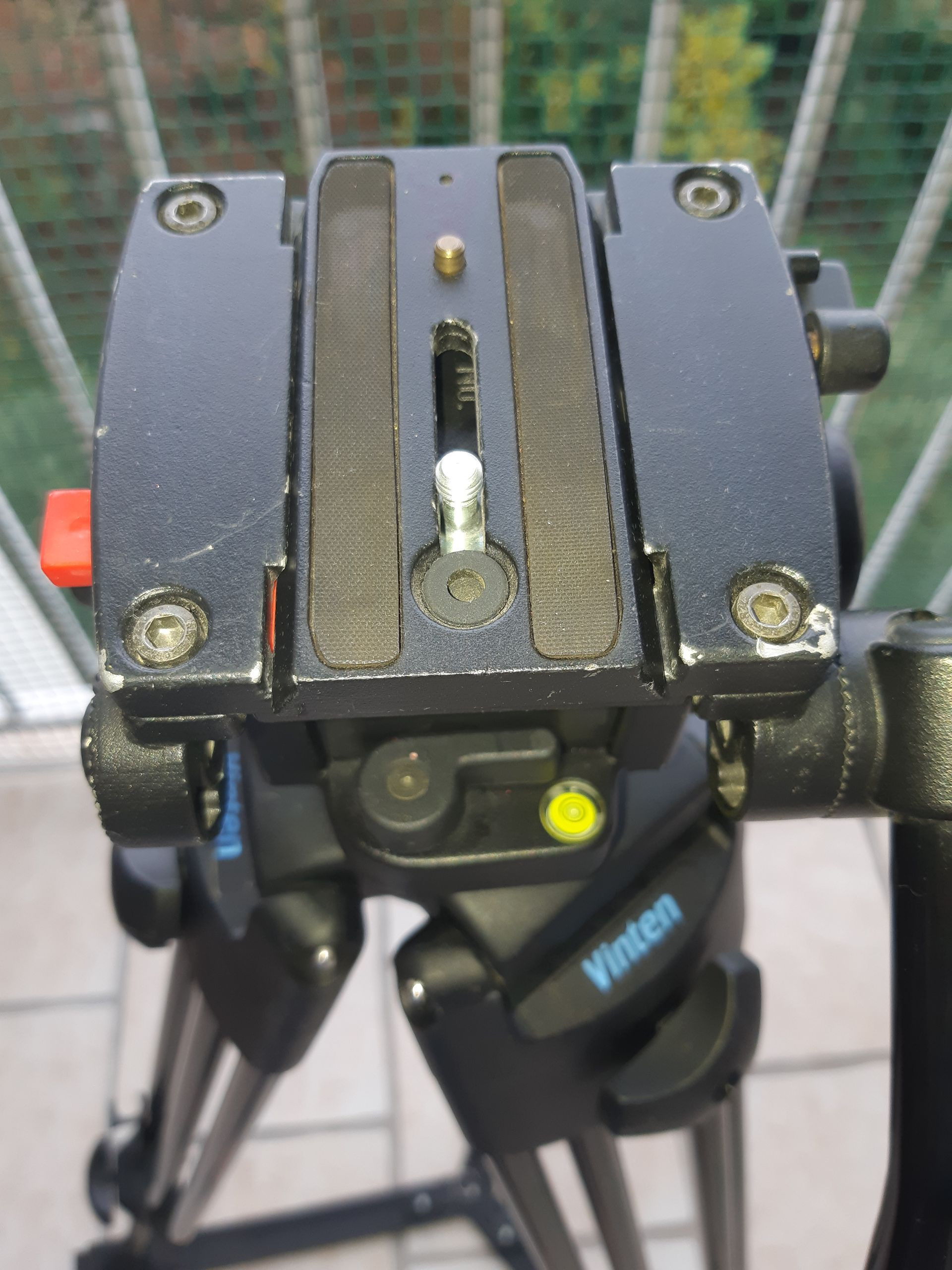 Trépied  + tête fluide VINTEN PROTOUCH PRO5 – PT520 - 520V/ME16