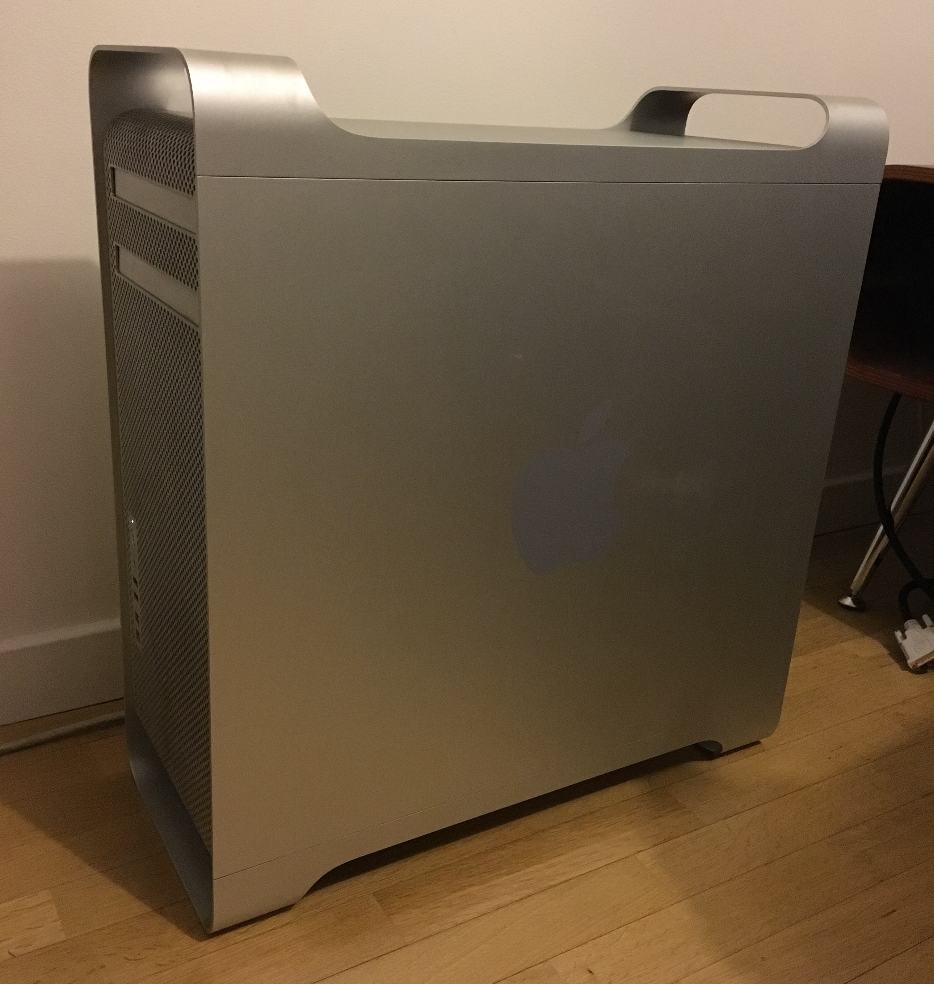 Mac Pro (Early 2009) + Logic Studio 2