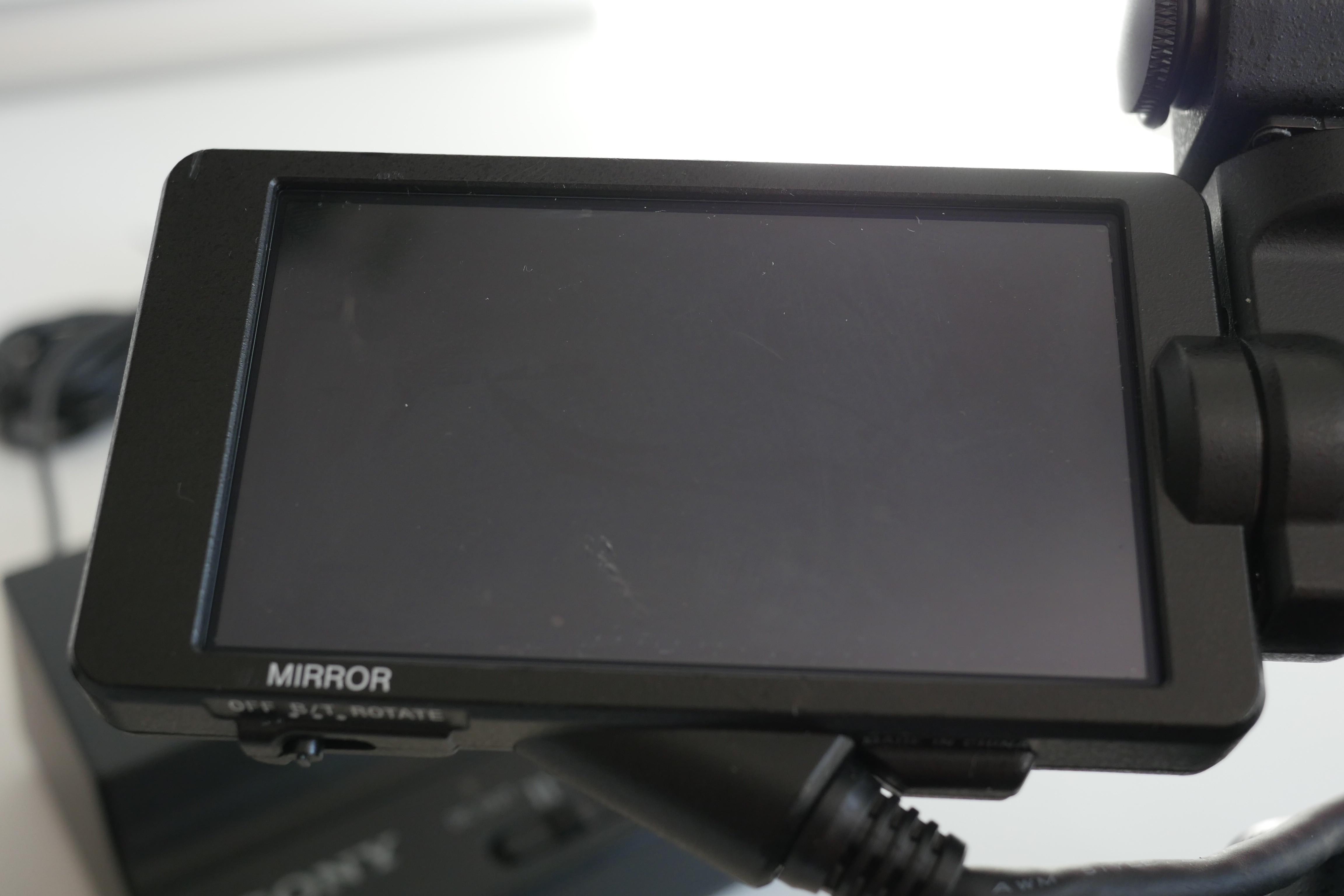 SONY PXW-FS5 Mark 1 avec objectif SONY 18-105 f4 et micro SONY ECM-XM1