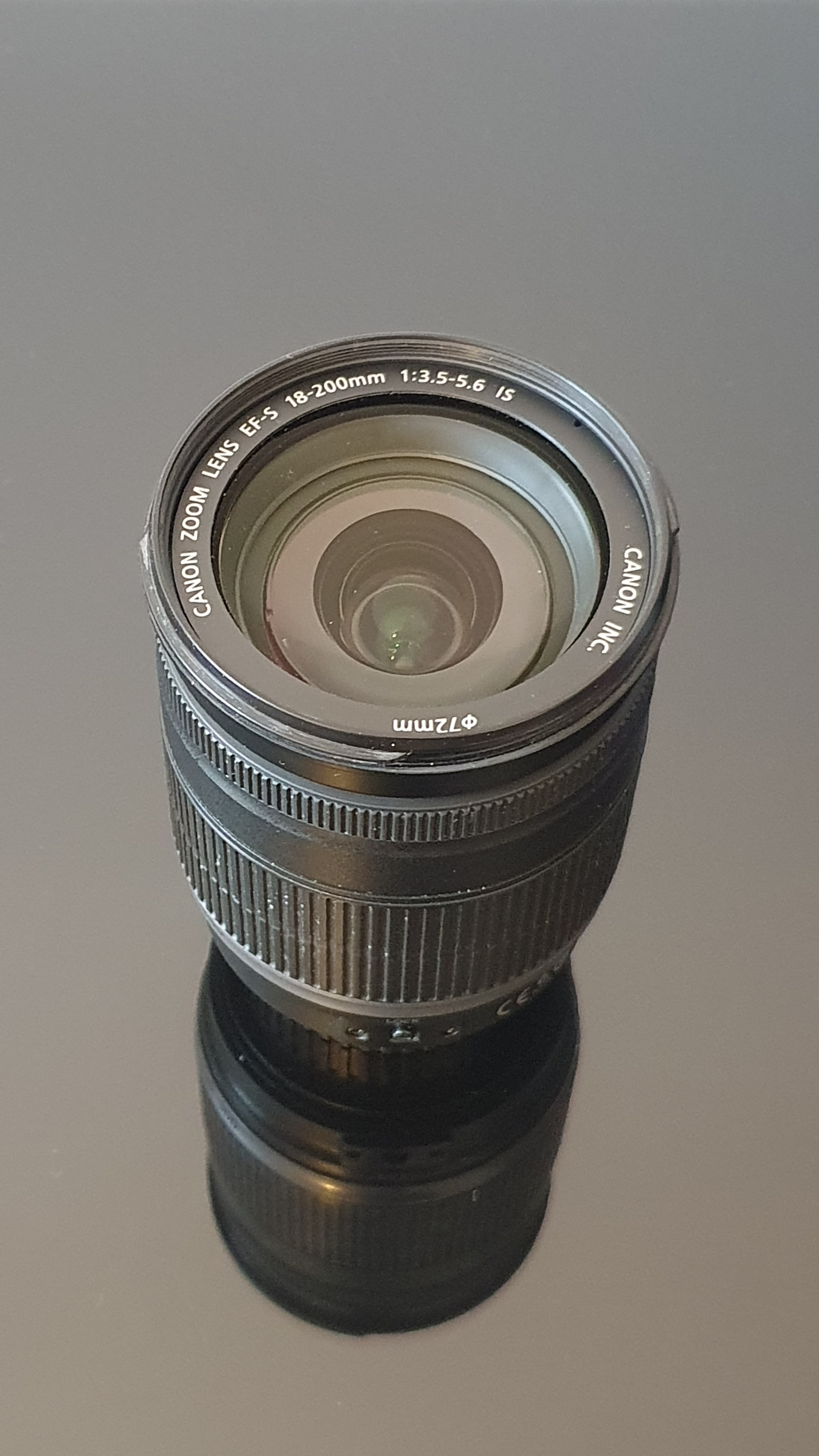 Objectif Canon EF-S 18-200 mm f/3.5 - 5.6 IS