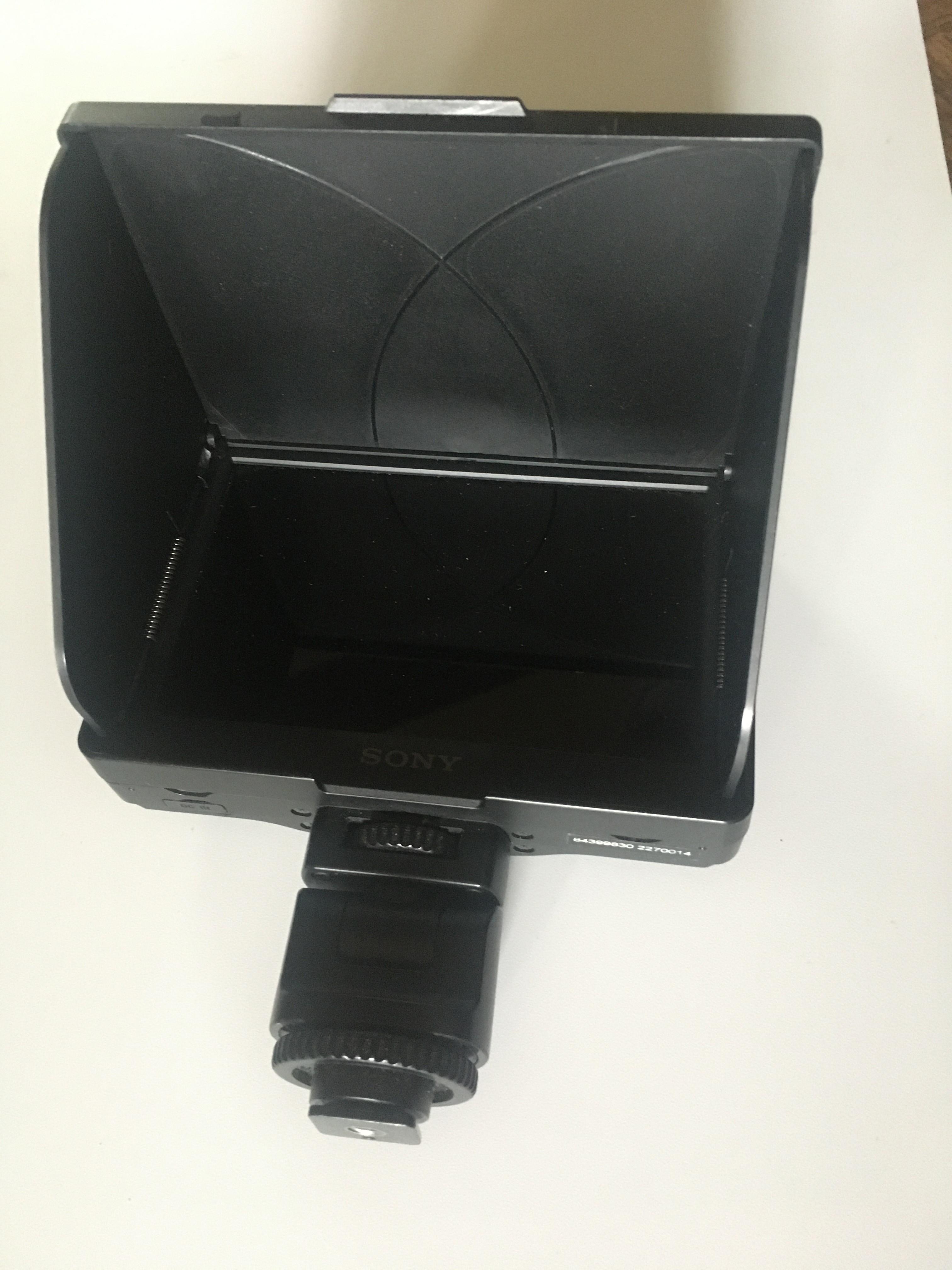 Ecran SONY CLM-V55