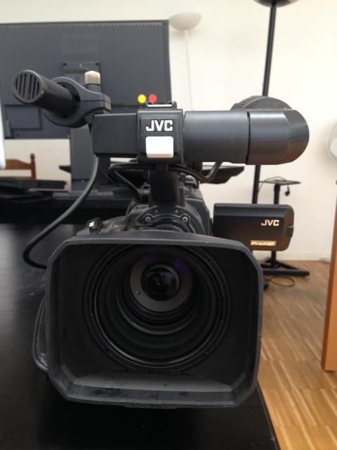 CAMERA JVC PRO HD - HDV GY-HD200 720P