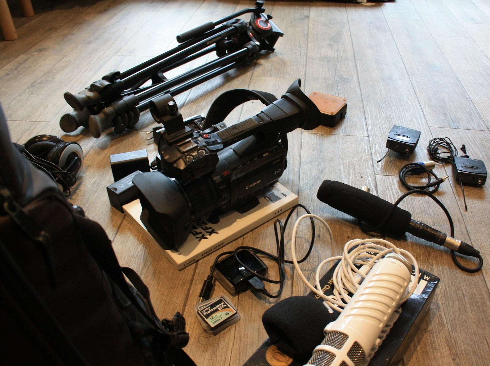 annonce occasions unit de tournage compl te le repaire le repaire video numerique. Black Bedroom Furniture Sets. Home Design Ideas