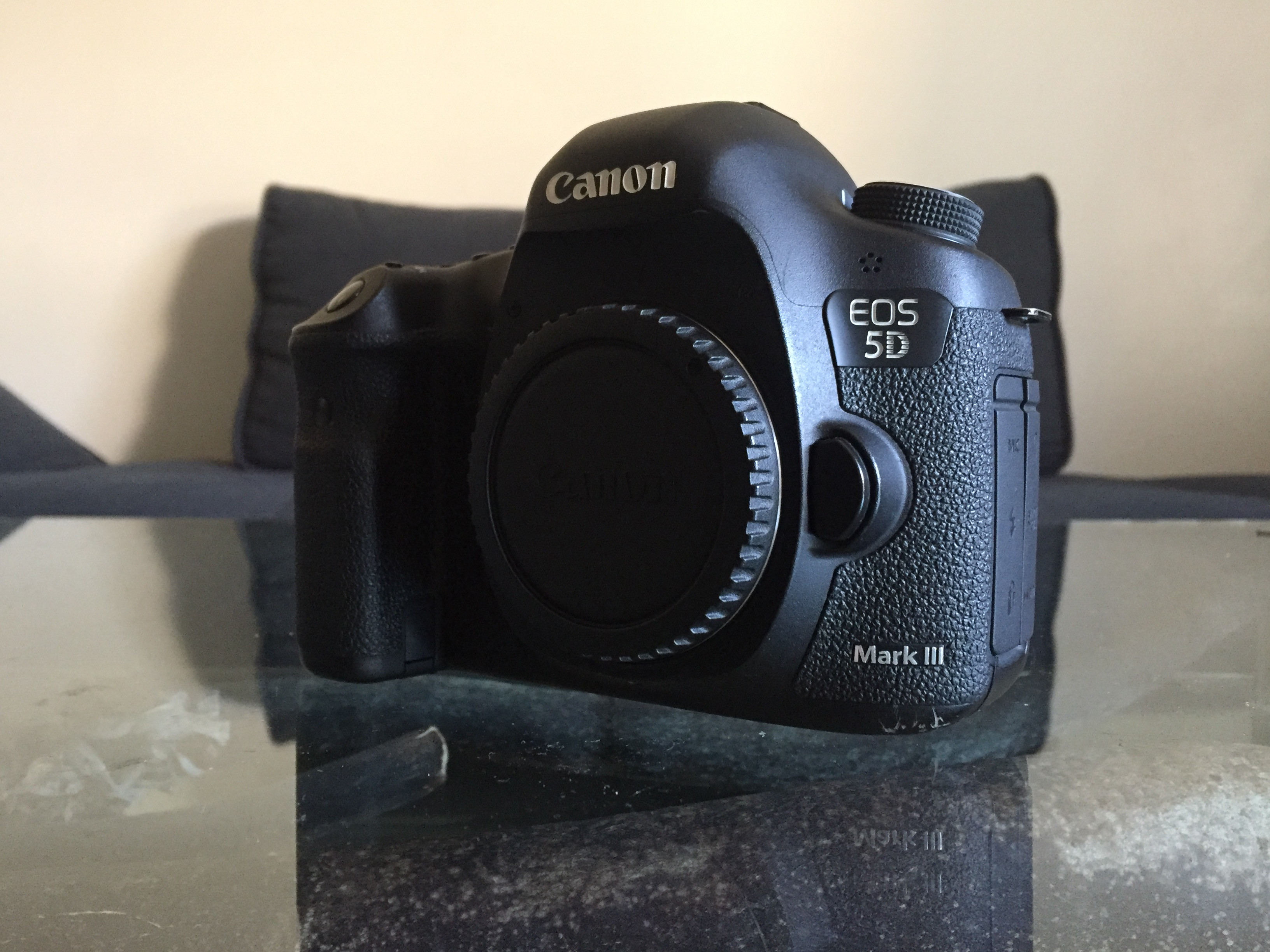 Canon EOS 5D MARK III+ objectif 24-105mm + objectif 17- 40mm +objectif 50mm + objectif 85mm