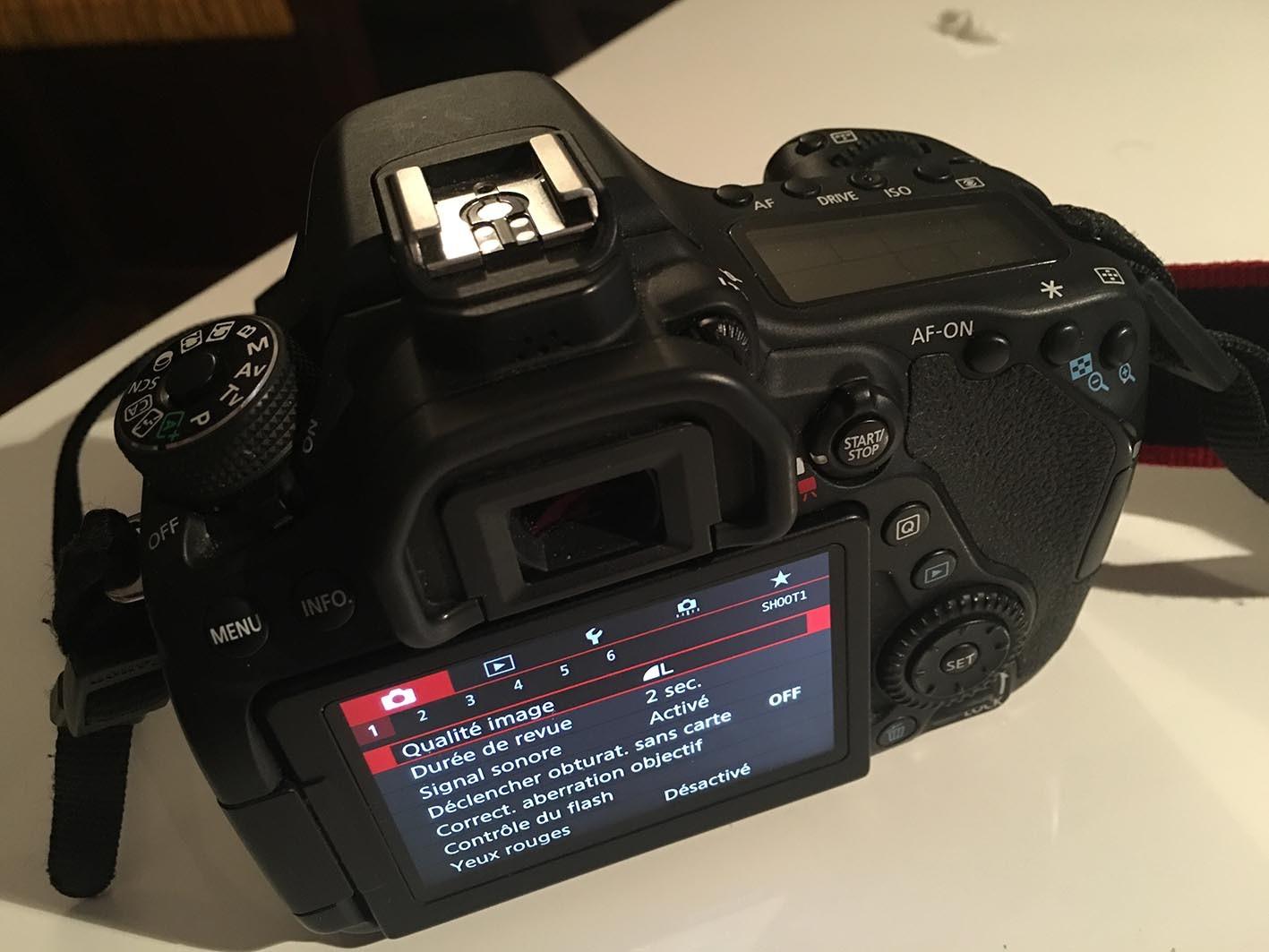 annonce occasions vends appareil photo reflex canon eos 80d nu le repaire le repaire video. Black Bedroom Furniture Sets. Home Design Ideas
