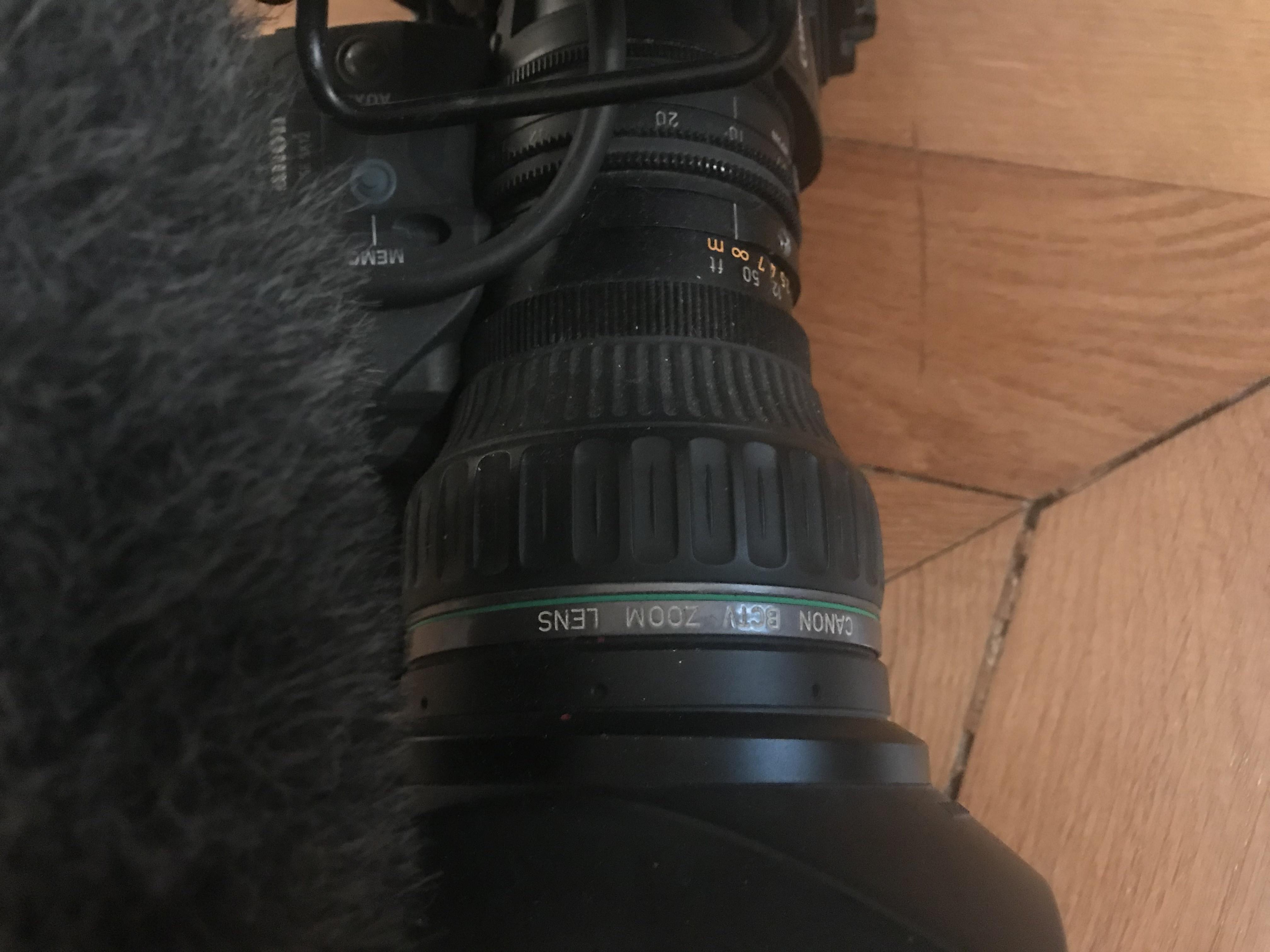 Caméscope Sony F-350  PARFAIT ÉTAT