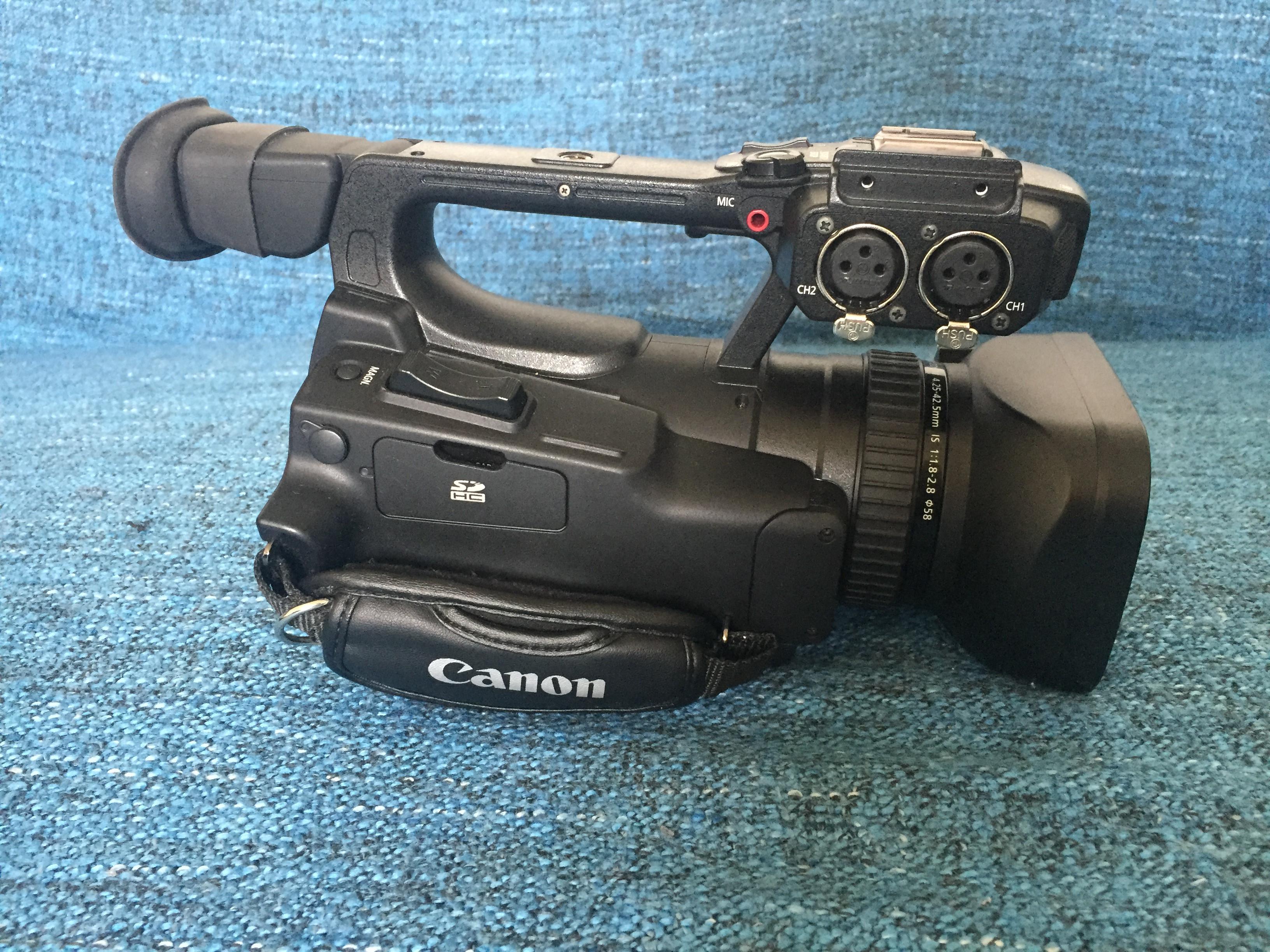 Caméra Vidéo Professionnelle  CANON XF100