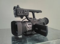 Camera jvc gy-hm100