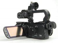 Unité de tournage légère : Canon XA10 avec 2 batteries, et trépied