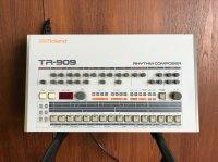 Boîte analogique ROLAND TR-909
