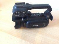 A vendre Camescope professionnel Canon XA-10 + 2 cartes SD 16GB