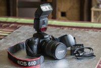 EOS 60D + Objectif EF-S 17-55 + Flash speedlight