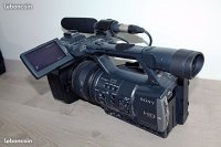 Caméra pro AVCHD SONY HDR AX-2000E full HD + accessoires