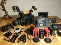 """Sony PMW-F3 (RGB 444) + Blackmagic Video Assist 5"""" 3G"""